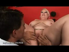 Bbw bunny dishes our her fat cunt