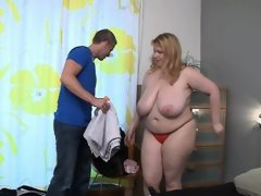 Hot bbw gives an awesome titjob