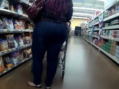 Pawg in store