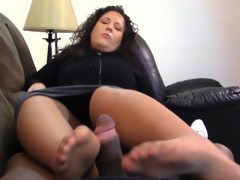 Denise pantyhose feet gets blasted on..