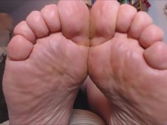 Very chubby meaty fat soles and toes