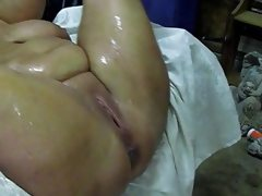 Big mature squirting like a fountain