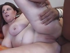 Brunette bbw with great tits in pussy..