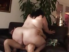Plump bbw goes hard