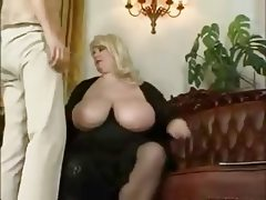 Mature bbw play with a young boy